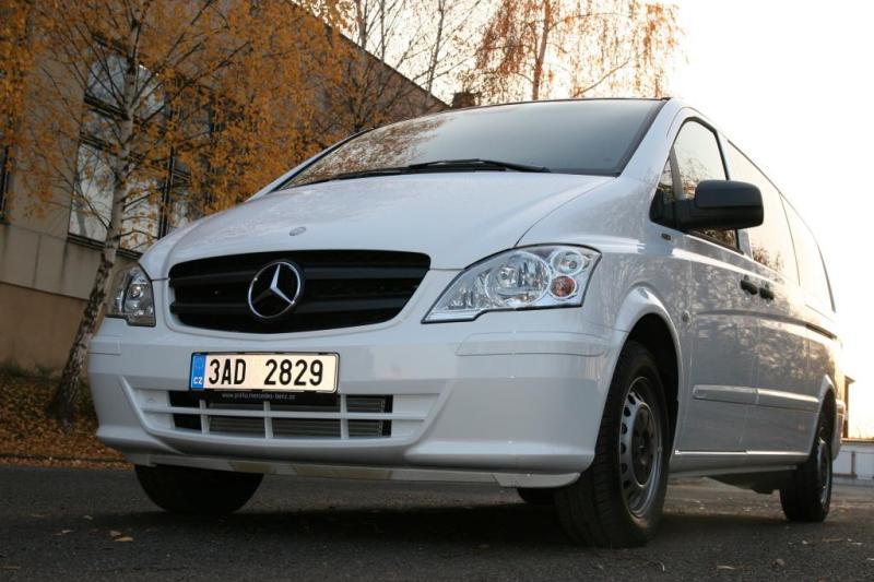 mercedes-benz-minivan-1
